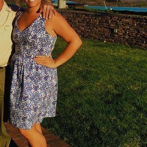 Patterned professional dress